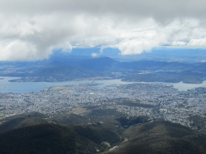 One of the students kindly took the Singaporeans and me to Hobart to drive up to the top of Mount Wellington